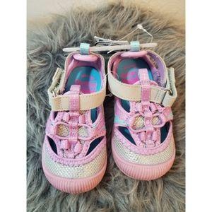 Oshkosh girls size 5 shoes